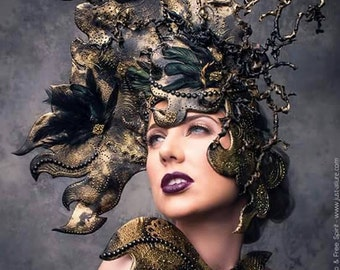 Fantasy Headdress - Cap cutter to the fantastic Dark Beauty Wolf
