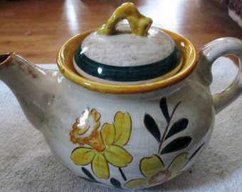 Stangel Daffadoil Tea Pot, Made for Lenning, Inc.