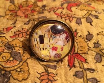 Gustav Klimt's The Kiss Glass Cabochon Ring
