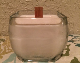 Wood Wick Soy Candle in Glass Jar. Amish Cinnamon Roll Scent.