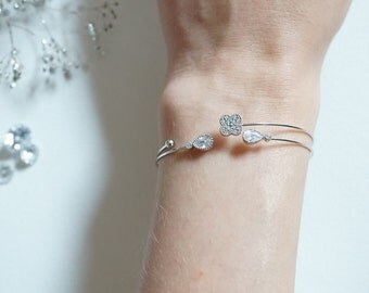 Silver brass dalicate bracelet with cubic zirconia crystals