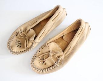 Size 7 Handmade Moccasins 90s Tan Khaki Beaded Moccasins Hippie Boho Flats Slip ons Loafers Vintage Bohemian  #S036A