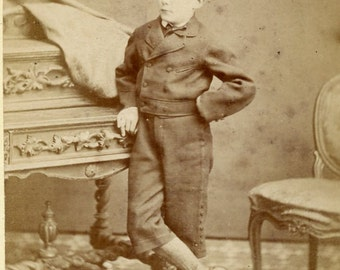 Small cabinet card photo of a boy  (342)