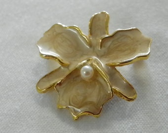 Vintage brooch womens gold tone enamel brooch