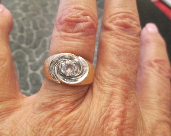 Handsome 10kt. Men's CZ ring> vintage 1960's, never worn>> well made, nice simple design men love!