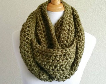 Green Bulky Infinity Cowl, Infinity Scarf, Chunky Crochet Scarf, Green Crochet Cowl, Green Crochet Scarf, Crochet Long Scarf, Bulky Scarf