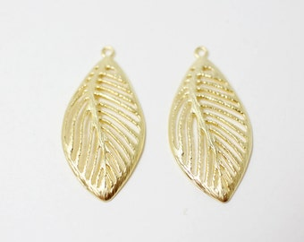 P0264/Anti-Tarnished Matte Gold Plating Over Brass/Leaf Pendant/32 x 11 mm/2pcs