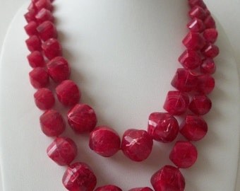 ON SALE Vintage 1960s Cranberry Red Chunky Plastic Beads Necklace 82016