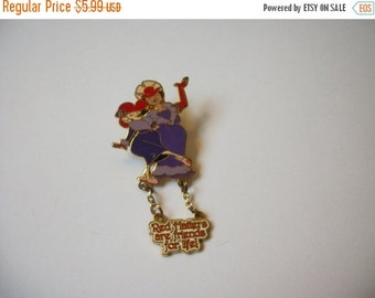 ON SALE Vintage Gold Tone Red Hatter Stick Pin 751