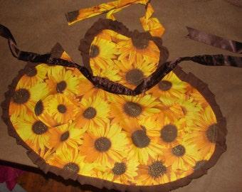 Vintage heart Sunflower apron – Child size