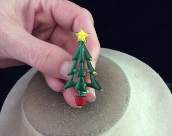 Vintage Yellow Green & Red Enameled Christmas Tree Pin