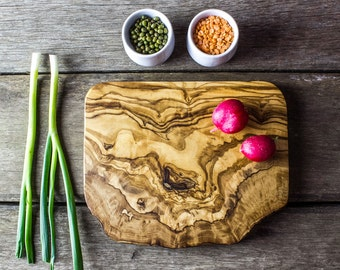 Rustic Olive Wood Chopping/Cutting/Cheese Board - Available in Five Sizes