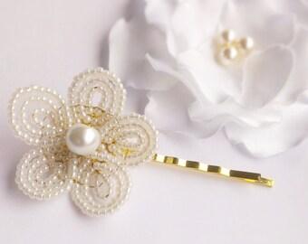 White flower hair pin, flower girl headpiece, beaded flower hair pins, communion headpiece, first communion hair accessories, Ivory flower