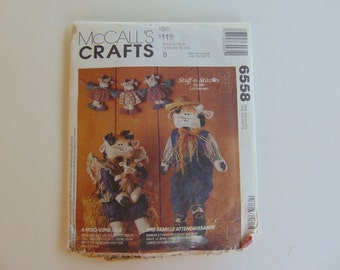 McCall's Crafts 6558 Mr and Mrs Cow with Baby and Garland Craft Clothes Sewing Pattern