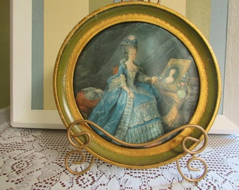 MID-century round frame with Lady of society in fabric silk thread