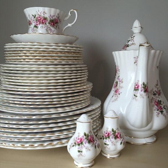 Royal Albert Lavender Rose Vintage Dinnerware Set