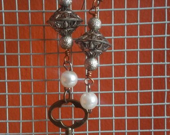 The Odd Couple Key Pearl Earrings