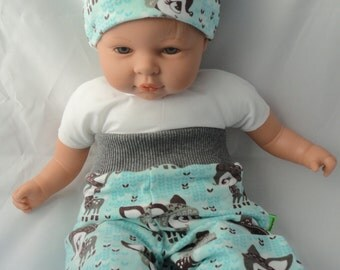 Baby set includes hat and bloomers Gr. 56