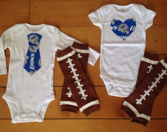 Go Detroit Lions! Onesie set for little Lions fan. Lions baby boy, lions baby girl. Baby shower gift idea for football lover.