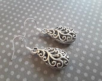 Silver Filagree Teardrops Earrings