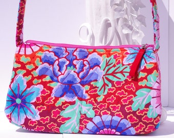 Purse floral red shoulder bag quilted light weight Kaffee Fassett fabric