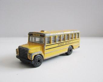 Matchbox 1985 Yellow School Bus Toy Car