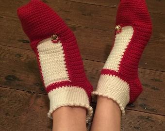 Crocheted frilly slipper socks