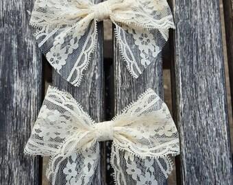 Cream lace bow