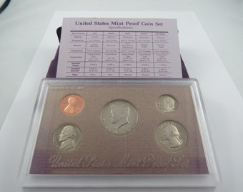 U.S. 1989S United States Proof Set.There is a C.O.A. in this set. This is a 5 coin Proof set.