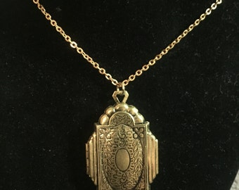 Vintage Gold Locket, Locket Necklace, Locket Pendant, Gold Locket Necklace, Vintage Brass Locket
