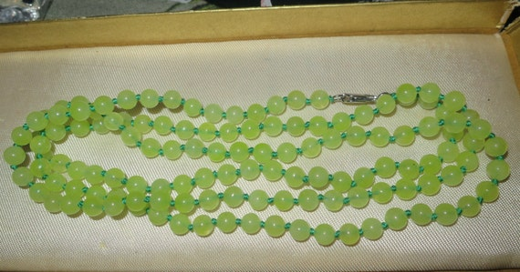 Lovely 6mm Peridot beaded and knotted longline necklace 36""