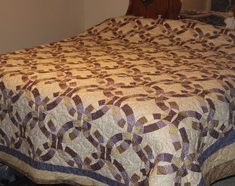 """King Size Quilt 108"""" X 108"""", Pieced Border"""