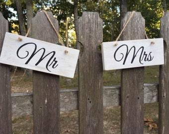 Mr. and Mrs. Wedding pallet signs Rustic wedding decor Bridal shower decor