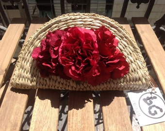 Bag of woven straw with fabric flower, Preservadas or corsages and agate