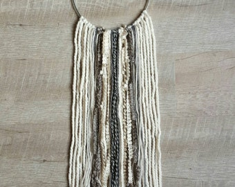 Jae Dream Wall hanging, ivory and grey yarn
