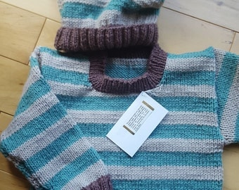 Baby Pullover in ecru and teal and hat (Size 9-18 mos.)