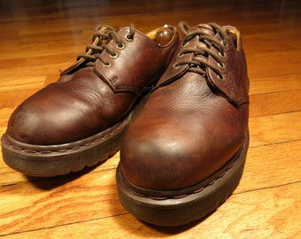 Dr. Martens UK 7 US Women's 9 Men's 8 Made in England 4 Eye Vintage Docs Brown Leather Oxford Derby Shoes 1461 Lace Up
