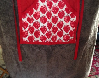 Ladies Strawberries Peg Apron/Pinnie with red ties