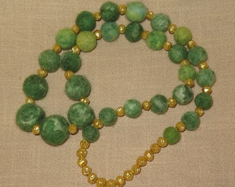 "Felted Necklace ""Green&Gold"""