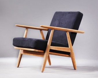 The Cigar Chairs by Hans Wegner GE-240