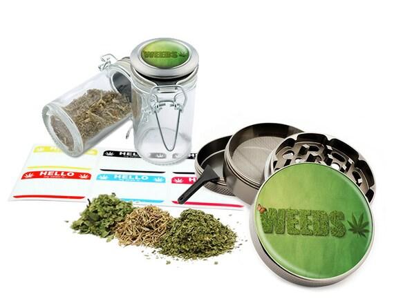 """Leaf Design - 2.5"""" Zinc Alloy Grinder & 75ml Locking Top Glass Jar Combo Gift Set Item # G022015-011"""