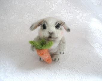 Rabbit / Needle Felted Animals / Miniature Animal / Needle Felted Rabbit / Felted Rabbit /Small Woodland Animal/ Rabbit Toy/Wool Felt Animal