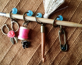 Knitting supplies,knitting markers,Stitchmarkers,knit Stitchmarkers,Beaded Stitchmarkers