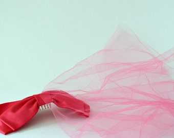 1960s Vintage Pink Bow Headpiece with Netting