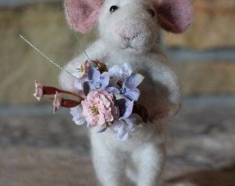 Needle felted mouse, needle felted animal, needle felted mice, needle felted Waldorf, alpaca wool animal