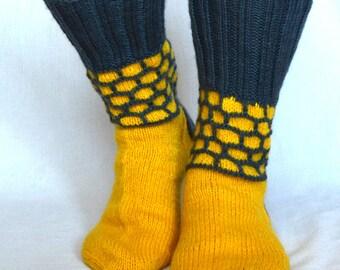 mens socks // winter socks // socks // christmas gift // yellow socks // wool socks // gift for he // knitted socks // handmade socks
