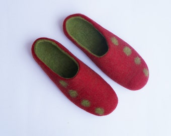 SALE! Felted slippers/ felted wool slippers/ felted women slippers/ soft wool/ organic women slippers
