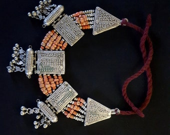 YEMEN ethnic silver necklace and red coral beads