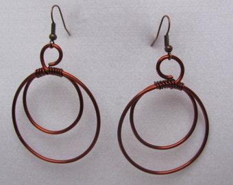 Simple round drop earrings