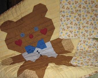 Teddy Bear Quilt with Teddy Bear Print accessories